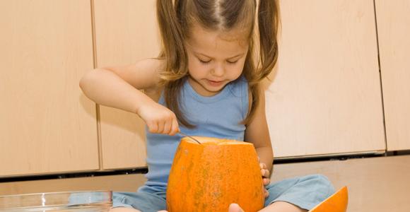Décorer une citrouille d'Halloween